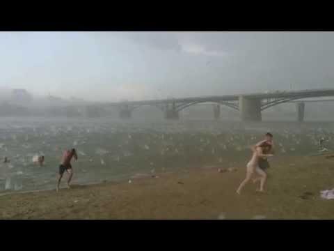 Внезапный ураган с градом посреди 35 градусной жары на пляже Новосибирска 12 07 2014