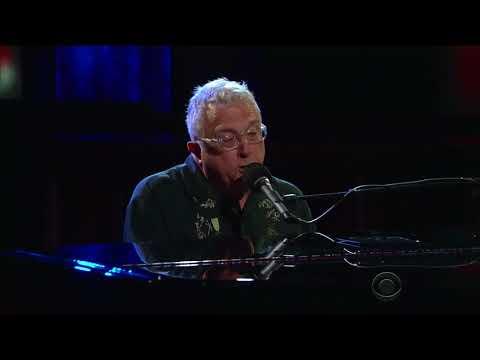 Randy Newman Performs 'Putin'