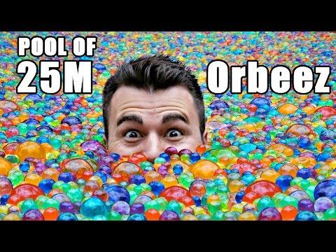 - Как выглядит бассейн, наполненный 25 млн водяных шариков