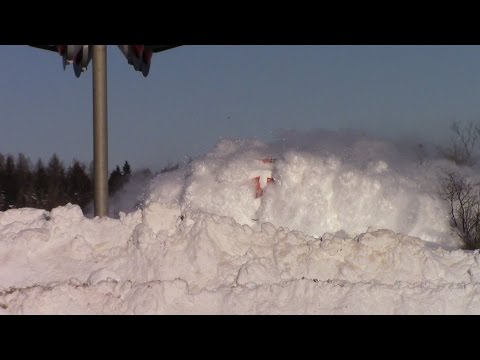 , Поезд, прокладывающий путь в снегу, стал хитом YouTube, LIKE-A.RU