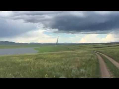 Жители Сургута сняли огромный смерч с разных ракурсов - россия, необычное