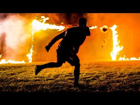 - Адский футбол: опасные трюки с горящими мячами