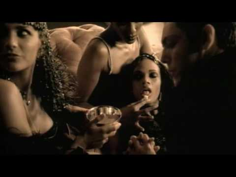 Puff Daddy [feat. The Notorious B.I.G. & Busta Rhymes] - Victory (Official Music Video)