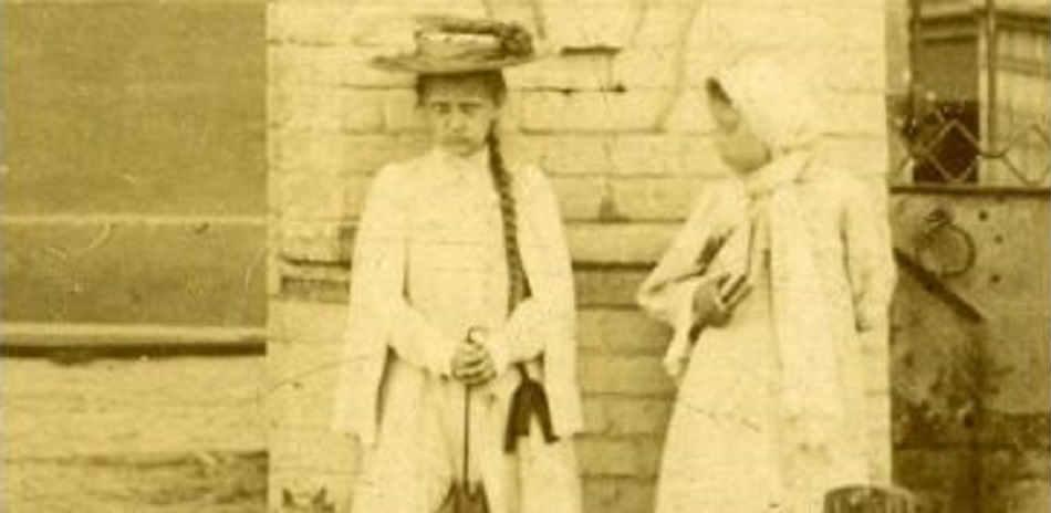 , Загадку «девочки-фантома» со старинных фотографий разгадывают всем миром, LIKE-A.RU